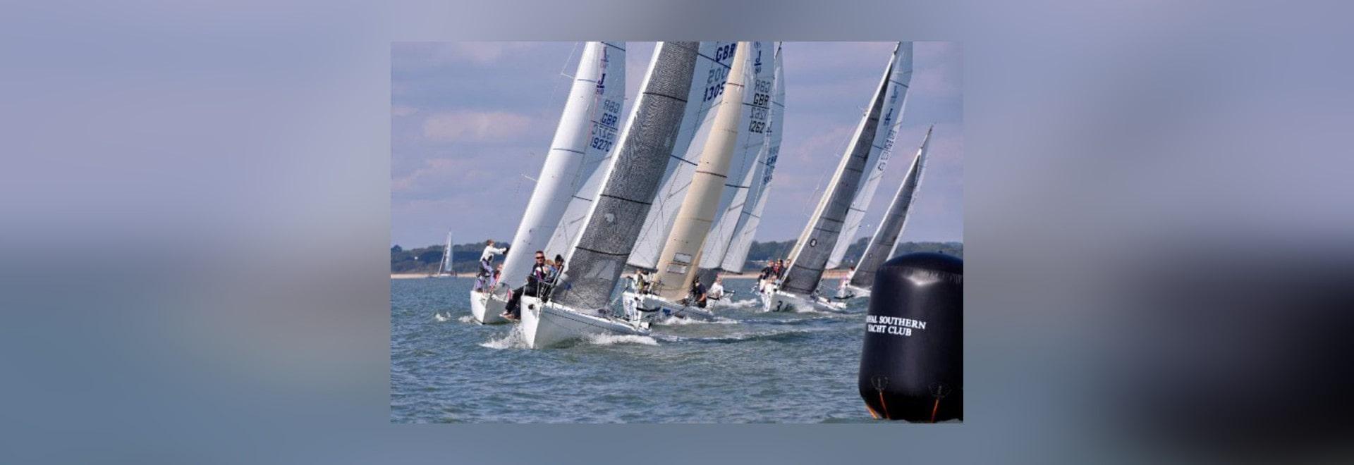 L'académie méridionale royale de club de yacht sont prête pour la coupe du monde de plaisance du trente-cinquième étudiant 2015