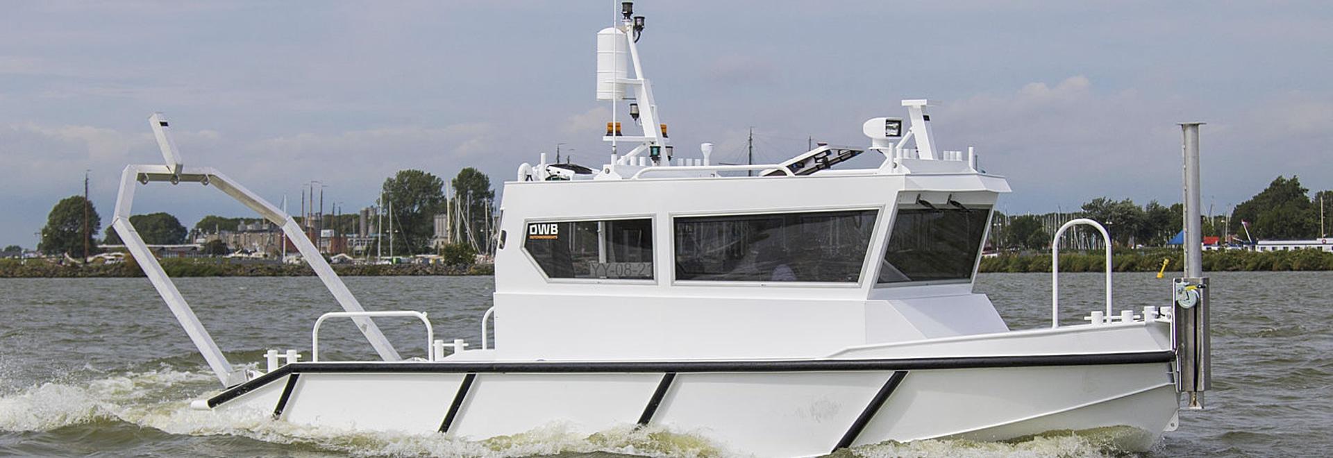 JEÛNENT LE BATEAU 8.50 d'APERÇU - histoire maritime de Parker de sa nouvelle beauté blanche