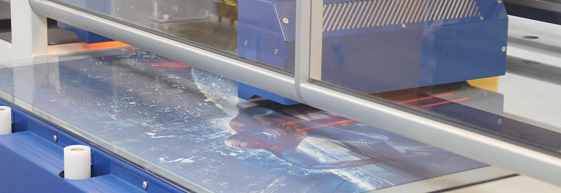 Lewmar accomplit l'installation de £1m de l'usine de gâchage en verre du dernier cri.