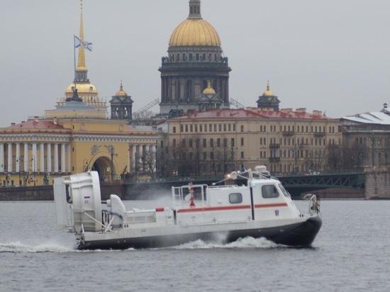 Nouvel aéroglisseur pour le service de secours de St Petersburg