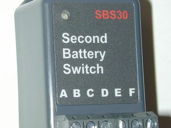 NOUVEAU : commutateur de batterie automatique par Cruzpro