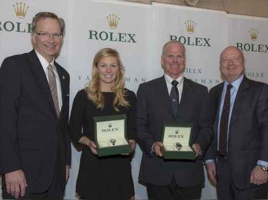 Le Président Tom Hubbell de navigation des USA, Yachtswoman de Rolex de l'année Stephanie Roble, plaisancier de Rolex de l'année Terry Hutchinson et Stewart Wicht, président et Président de la mont...