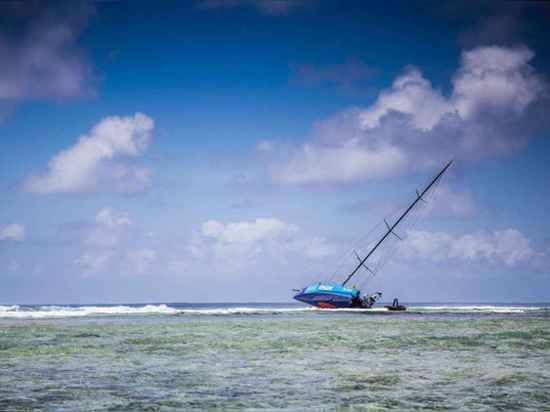 Une équipe, y compris le capitaine Chris Nicholson et le directeur de rivage, Niel Cox, reviendra à l'emplacement du naufrage pour former un plan pour récupérer ce qui est laissé du bateau