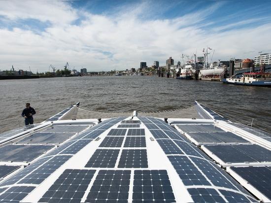 Energy Observer - Arrivée à Hambourg © Energy Observer - Marta Sostres