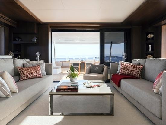 Sirena 88 fait ses débuts en tant que navire amiral au Festival de Yachting de Cannes