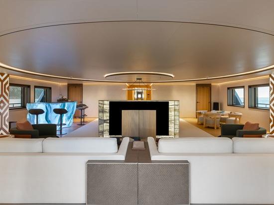 Galerie : À l'intérieur du premier superyacht SeaXplorer 77 La Datcha