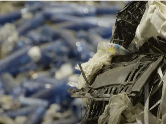 le projet est un exemple de durabilité, de l'innovation dans la fabrication à l'économie circulaire en passant par le recyclage du plastique